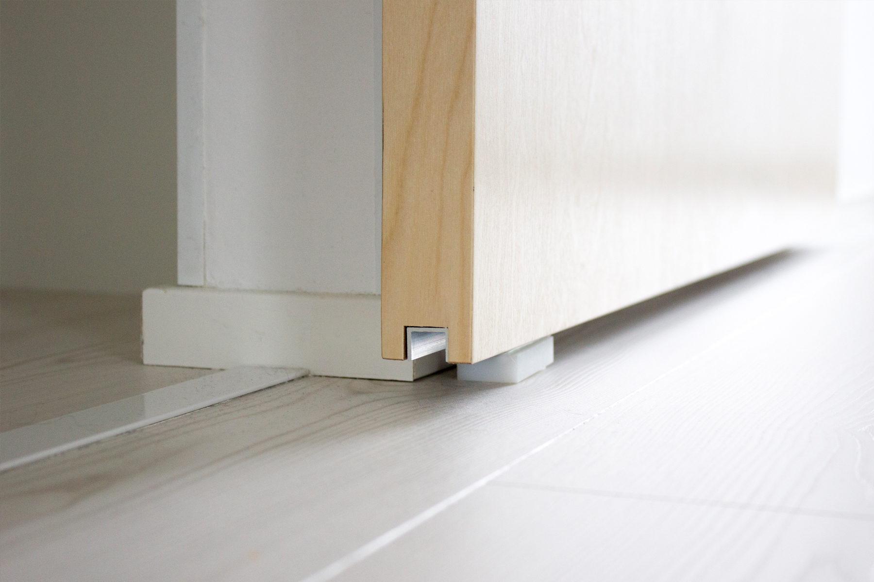 Mettez en valeur un petit appartement avec une porte coulissante