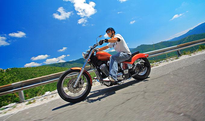 Conseils pour choisir l'assurance moto