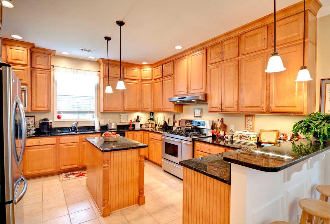 Comment nettoyer une cuisine en bois encrassée?